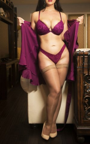 Marieta outcall escort in Bellevue, WA