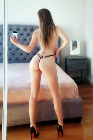 Lunise outcall escort in Kinston
