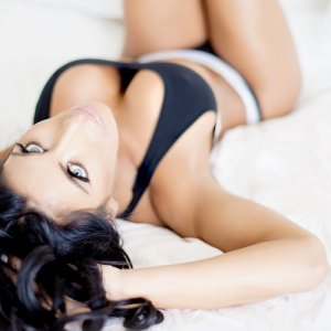 Calliope hotel escorts service in Edmond