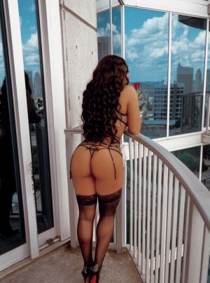 Bernarde african escorts in Stayton