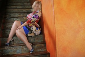 Nhu african escorts in Waldorf